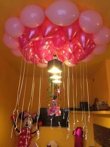 balony na hel pod sufitem