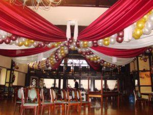 dekoracja balonowa slubna