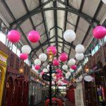balony giganty jako dekoracja galerii handlowej