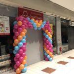 pastelowe balony użyte do wykonania bramy balonowej