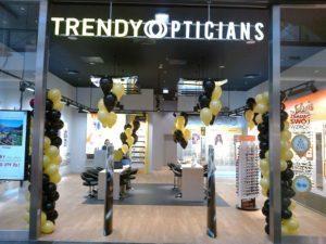 balony z helem na otwarcie sklepu w Krakowie