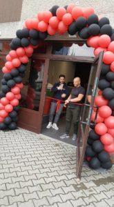 brama balonowa na otwarcie siłowni Mikołów, stuart burton