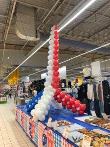 balonowa wieża Eiffla - wieża Eiflla z balonów www.balonowedekoracje.pl
