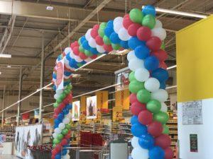 brama balonowa Katowice z okazji tygodnia francuskiego w Auchan
