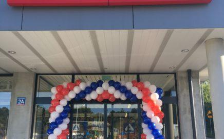 brama balonowa w kolorach firmowych w Zabrzu dla Aldi