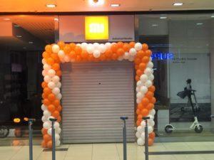 brama balonowa we Wrocławiu w Galerii Pasaż Grunwaldzki dla salonu Xiaomi