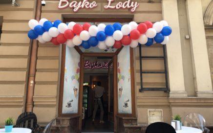 girlanda balonowa Bielsko Biała na otwarcie lodziarni Bajko Lody