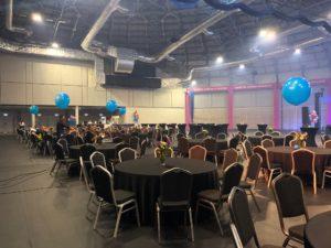 subtelny stroik balonowy na event firmowy