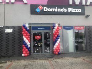 kolumny balonowe na otwarcie Dominos Pizza w Katowicach