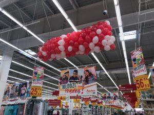 siatka z balonami gotowa do wypuszcznia w Auchan Pogoria Dąbrowa Górnicza