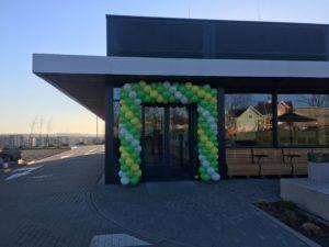 brama-z-balonów-w-Gdańsku-Restauracja-Max-Premium-Burgers