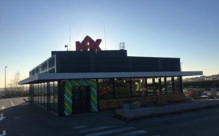brama-z-balonów-trójmiasto-Max-Premium-Burgers-dekoracja-na-otwarcie