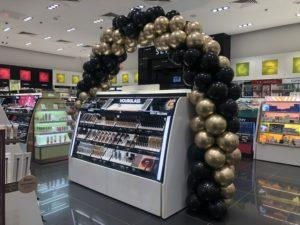 luk-balonowy-nad-produktami-w-perfumerii-silesia-katowice