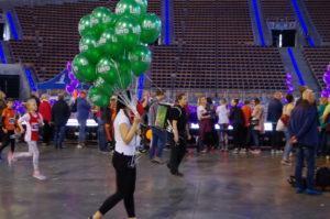 serwis-balonowy-rozdawanie-balonow-podczas-eventu-imprezy