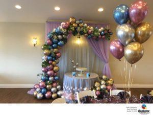 dekoracja-organiczna-z-balonow-balony-nieregularne-chromowane-cudowny-efekt-slodki-stol-stroik-na-stol