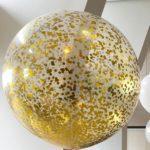 duzy-przezroczysty-transparentny-balon-z-konfetti-zlotego-koloru
