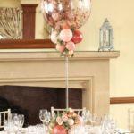 balon-z-konfetti-stroik-na-stol-weselny