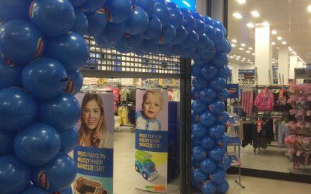 brama-balonowa-jako-dekoracja-na-otwarcie-sklepu-Pepco-w-Przyworsk