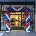dekoracja-balonowa-w-kolorach-firmowych-klienta-dla-sklepu-Aldi-w-Lodzi