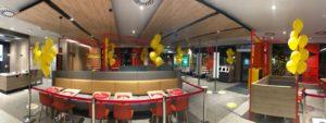balony-z-helem-jako-dekoracja-na-otwarcie-lokalu-Mc-Donalds-w-Bialymstoku