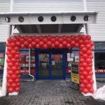 brama-z-balonow-na-otwarcie-salonu-w-Tarnowie