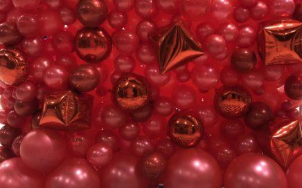 dekoracja balonowa w galerii z okazji dnia kobiet