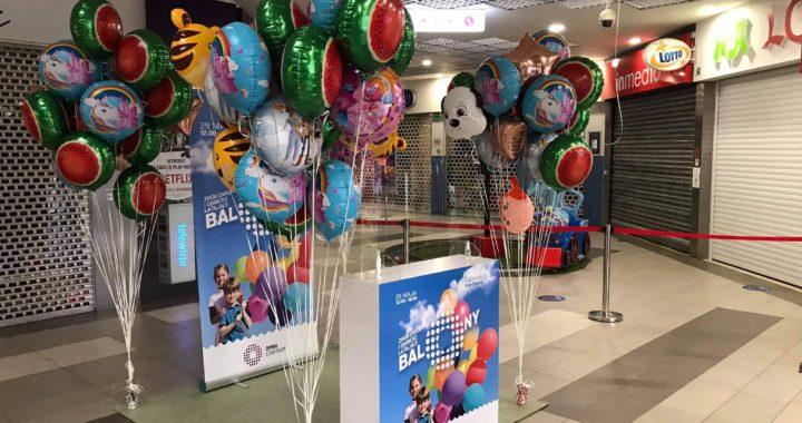kolorowe-foliowe-balony-z-helem-w-galerii-handlowe