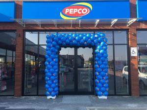 brama z balonów w Nisko na otwarcie Pepco