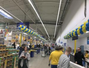 dekoracja balonami marketu