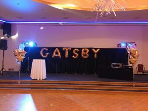 dekoracja balonowa w temacie Gatsby w Hotelu Gołębiewski w Wiśle