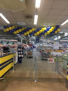 girlanda z balonów dla Makro w Krakowie z okazji 23 Urodzin firmy