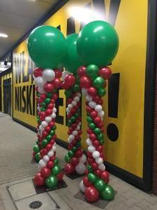 kolumny balonowe z dużym balonem na otwarcie Maxi Zoo w Sosnowcu