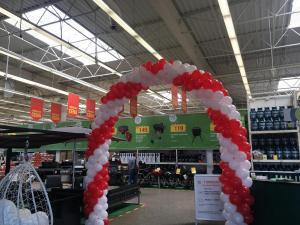 urodzinowa brama z balonów dla Leroy Merlin Mikołów