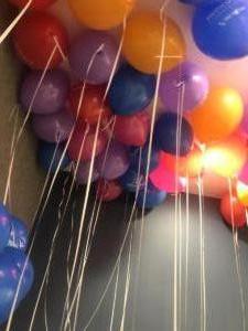 balony-z-helem-pod-sufitem-we-Wrocławiu