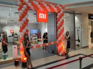 brama-balonowa-na-otwarcie-salonu-Mi-Store-Lublin