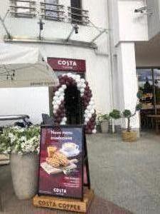 brama-balonowa-w-Sopocie-dla-Costa-Coffee-dekoracja-z-balonow-na-otwarcie-kawiarnii