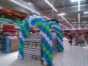 dekoracja balonowa promująca sprzedaż