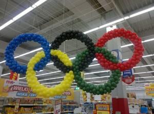 koła olimpijskie z balonów
